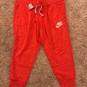 Nike Sportswear Vintage Midrise Capri Large Capris